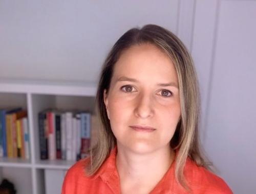 Monica-martinez-bravo-premio-economia-fundacion-banco-sabadell